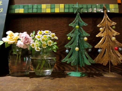 ピンクバラとツリー